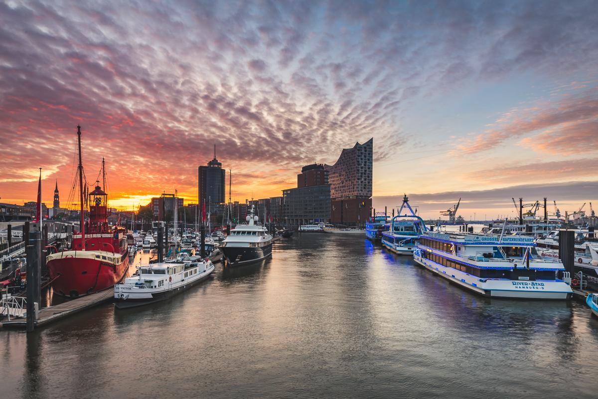 Elbphilharmonie in Hamburg zum Sonnenaufgang. Foto: Kerstin Bittner