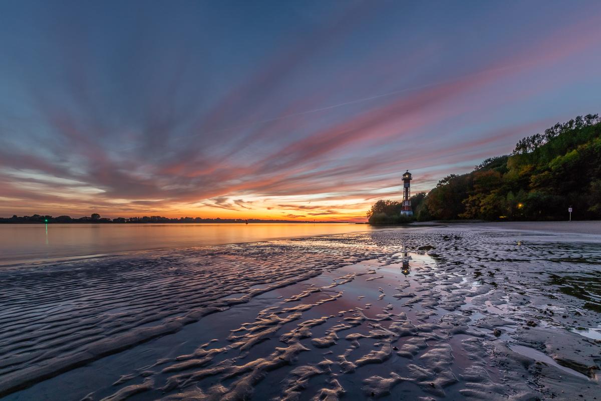 Leuchtturm Wittenbergen in Hamburg zum Sonnenuntergang. Foto: Kerstin Bittner