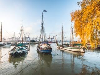 Museumshafen Oevelgönne in Hamburg im Herbst. Foto: Kerstin Bittner