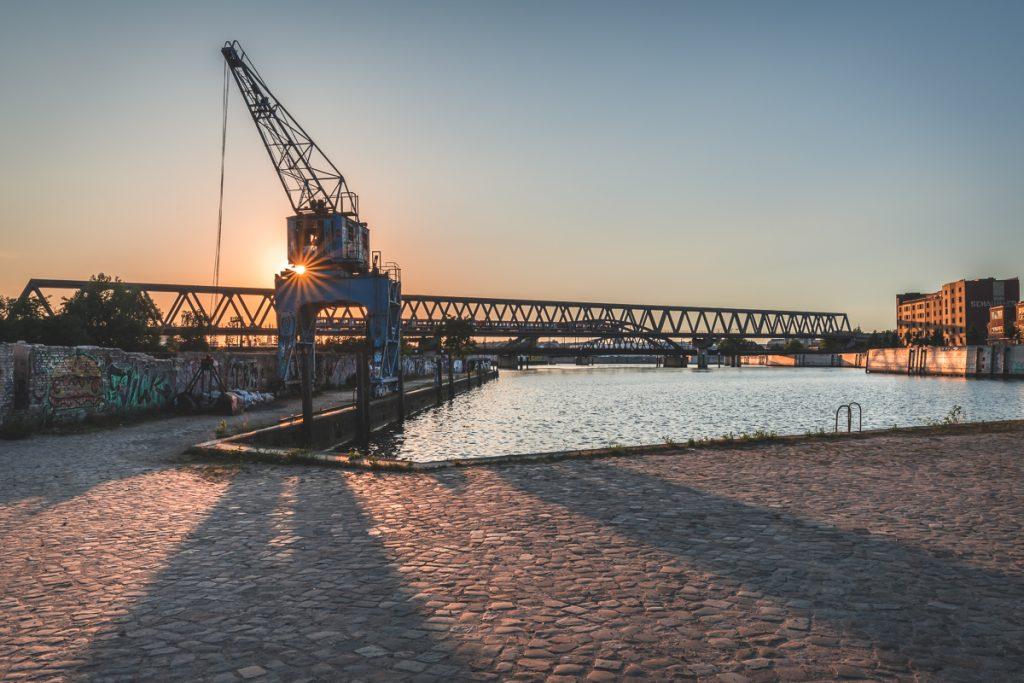 Billhafen und Elbbrücken zum Sonnenuntergang. Foto: Kerstin Bittner