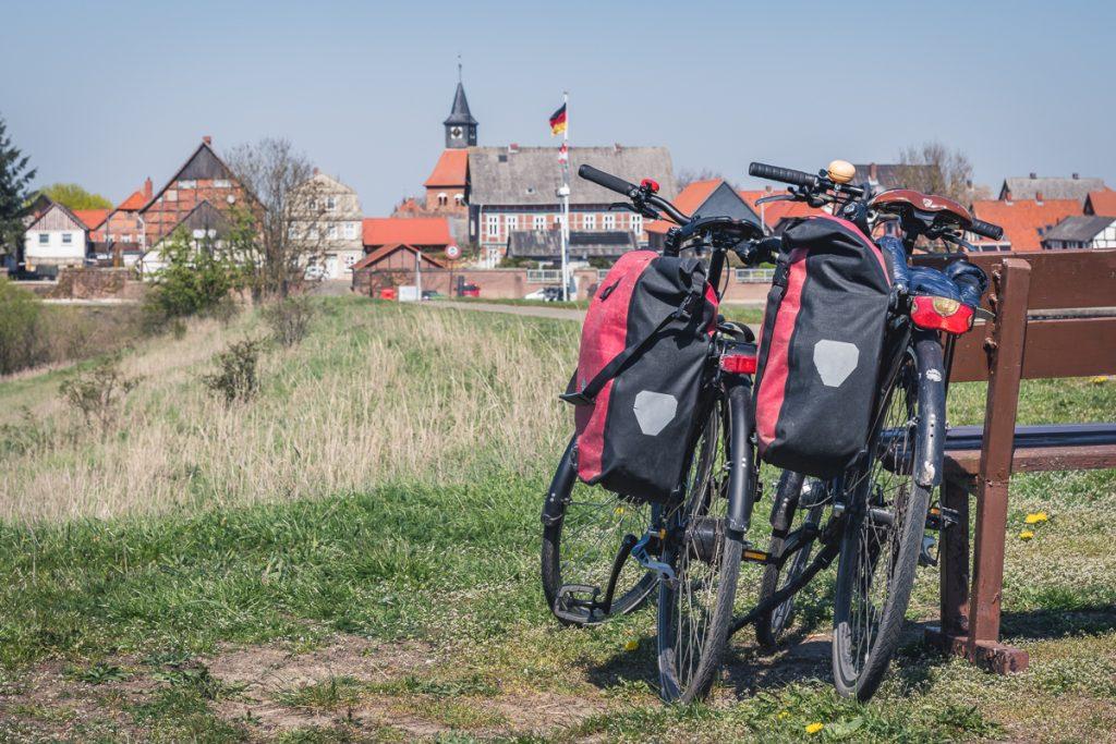 Fahrräder auf dem Elberadweg bei Schnackenburg. Foto: Kerstin Bittner