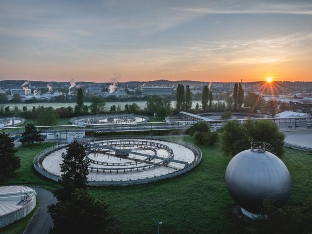 Kläranlage Konstanz bei Sonnenaufgang. Foto: Kerstin Bittner