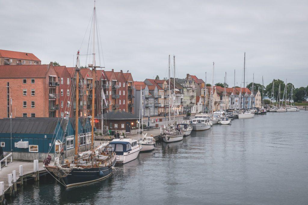 Gaffelschoner Samyrah im Hafen von Sonderborg, Dänemark. Foto: Kerstin Bittner