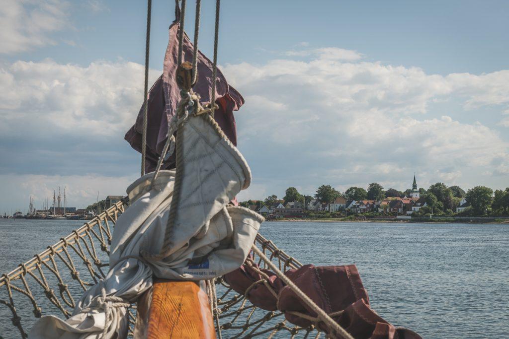 Einfahrt mit der Samyrah in den Hafen von Marstal. Foto: Kerstin Bittner
