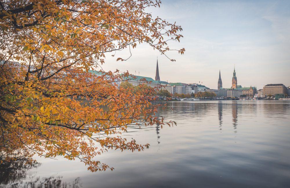 Hamburg, Binnenalster im Herbst. Foto: Kerstin Bittner