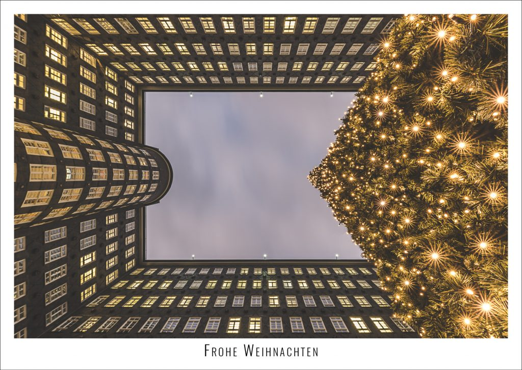 Weihnachtsbaum im Hamburger Kontorhausviertel