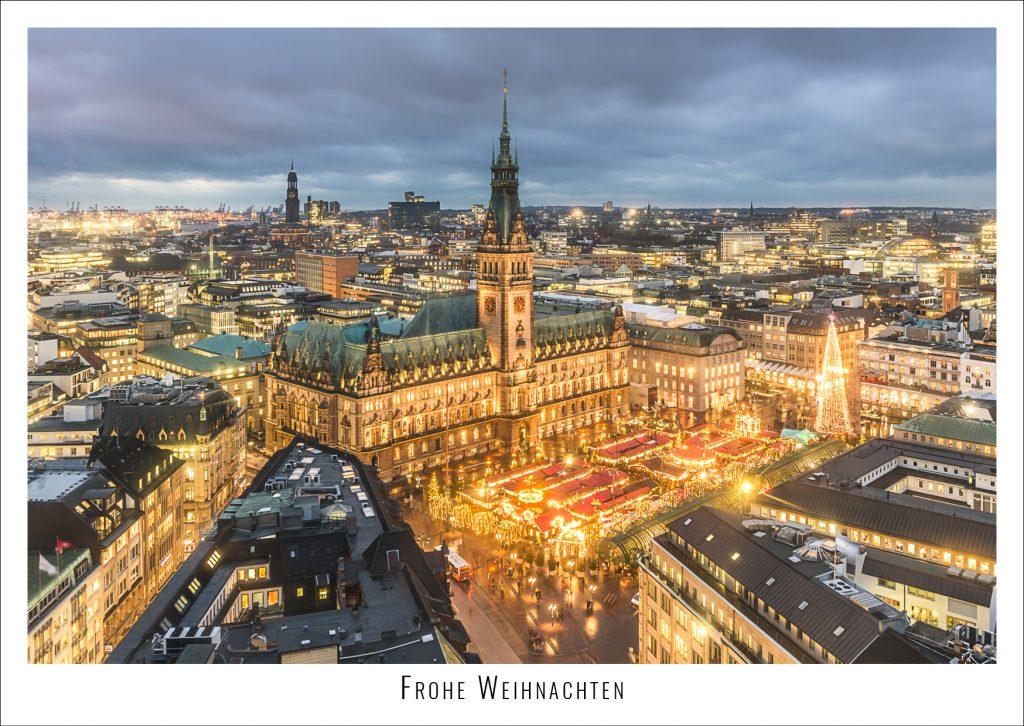 Weihnachtsmarkt auf dem Rathausplatz in Hamburg. Foto: Kerstin Bittner